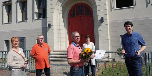 Landrat Patrick Puhlmann gratuliert Ralph Stüwe zum 60.